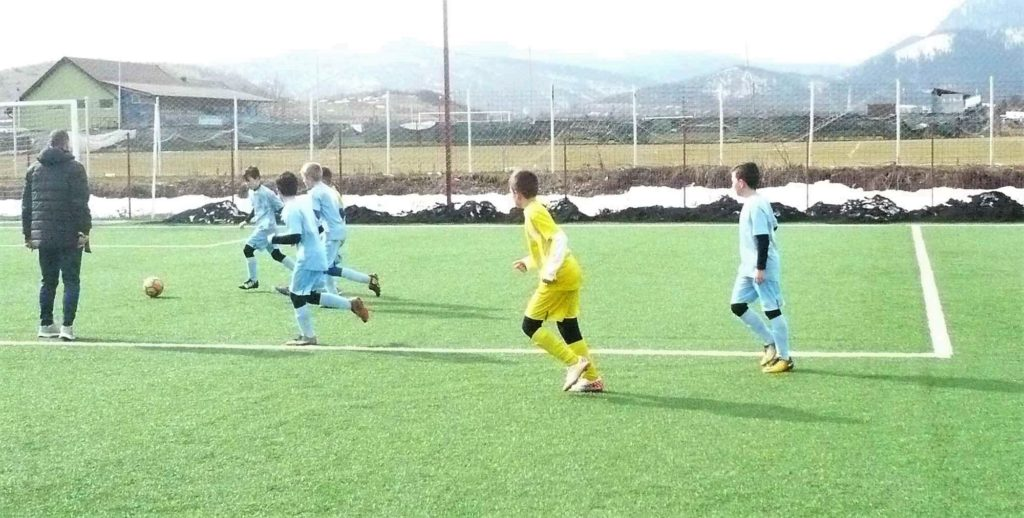 Jocuri școală între echipele șecției de fotbal, în pregătirea sezonului de primăvară