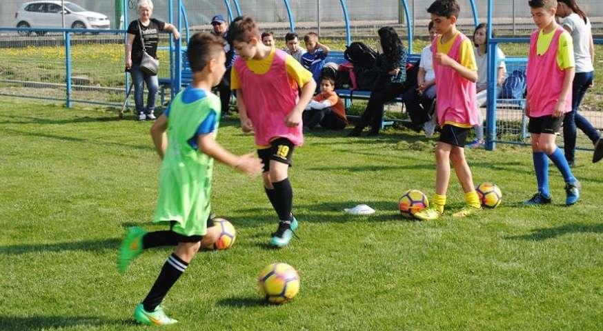 Final de lună plin de jocuri pentru echipele de fotbal ale Coronei