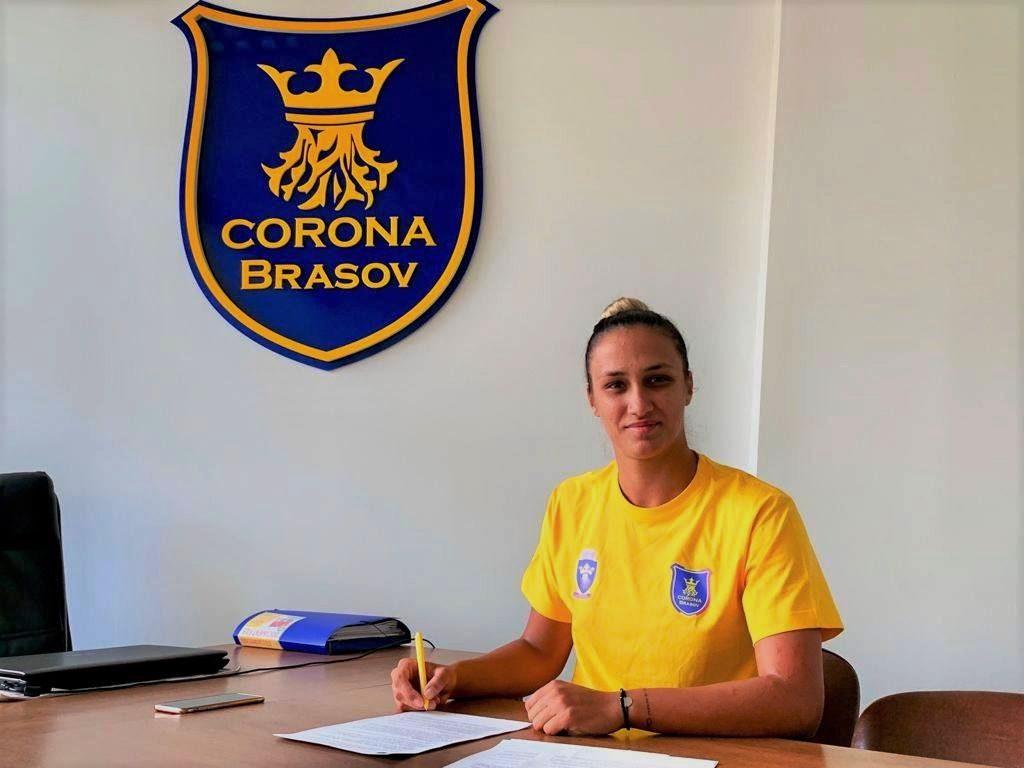 Bianca Bazaliu a semnat un contract pe un an cu Corona Braşov.