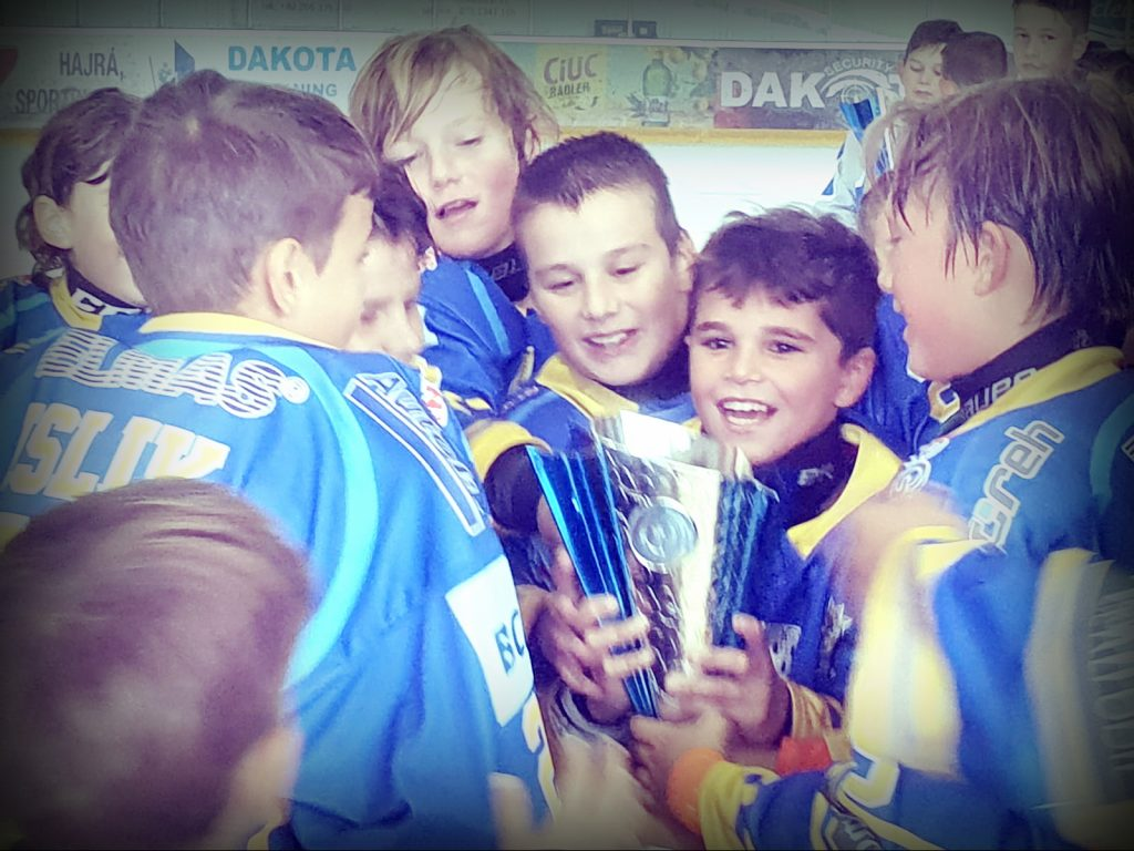 Corona Brașov U12 câștigă pentru al doilea sezon consecutiv Cupa THL!