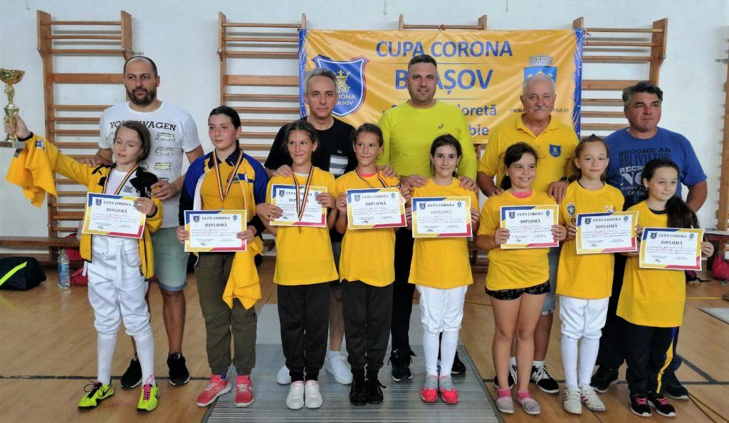 """""""Cupa Corona"""" la scrimă a devenit competiţie internaţională"""