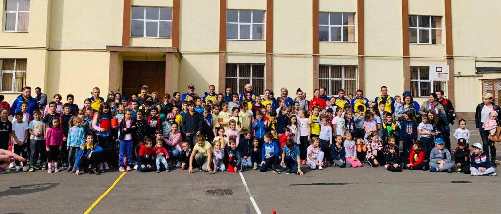 """Proiectul eveniment al Coronei, """"Sportul în şcoli"""" a revenit şi în acest an şcolar"""