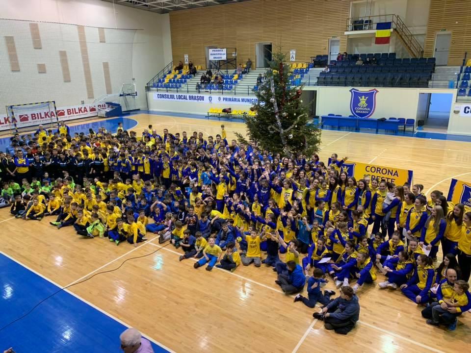 """""""Bradul de Crăciun Corona"""", un eveniment cu aproape 1000 de sportivi"""