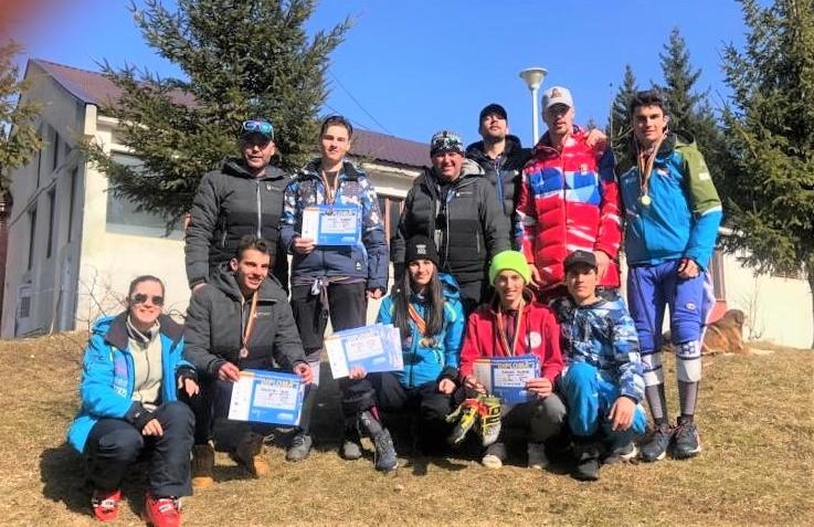 11 medalii pentru Corona la Naţionalele de schi din Poiana Braşov