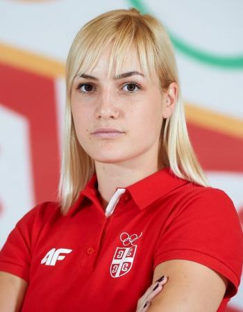 Corona Braşov a transferat-o pe Jelena Terzic, un inter dreapta de valoare