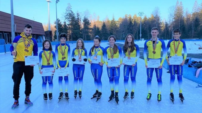 34 medalii pentru patinatorii Coronei, la Cupa României și Cupa Tatra