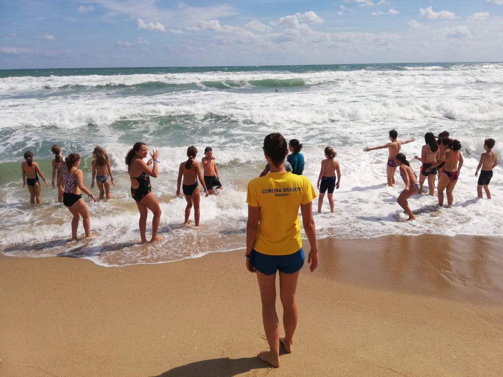 Cantonament la malul mării, în Bulgaria, efectuat de înotătorii Coronei